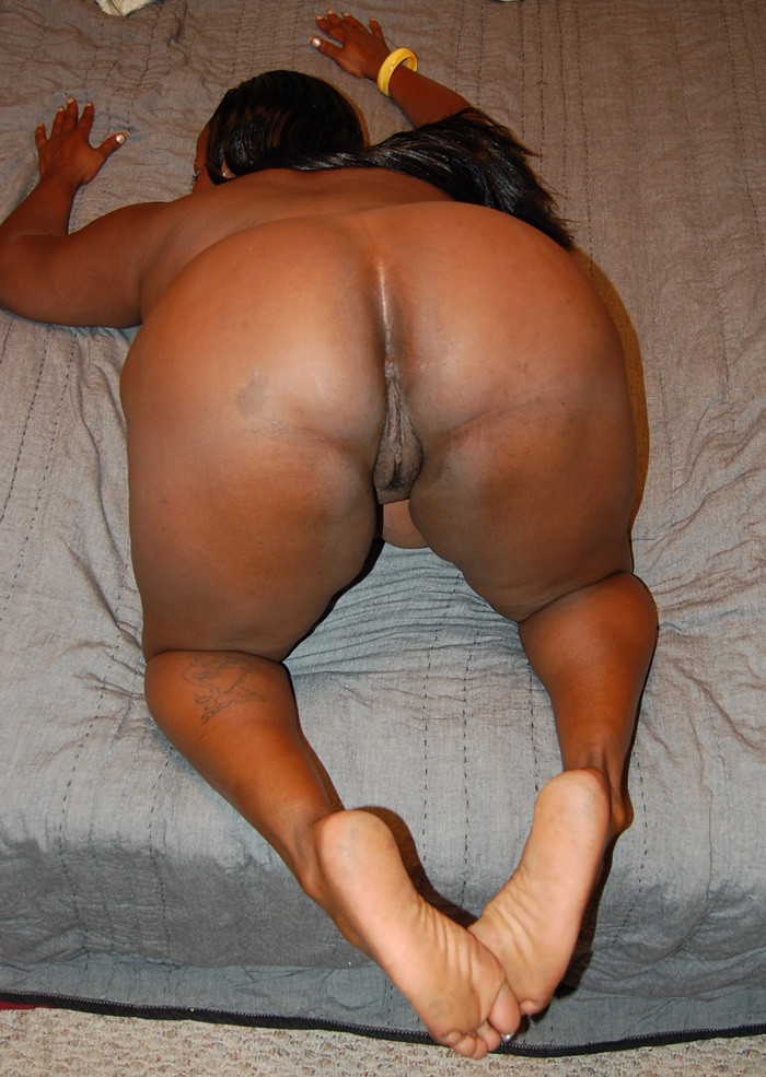 Ebony mom fucks neighbor boys